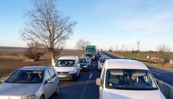 VIDEO/ CARANTINĂ la CONSTANȚA. Trafic infernal la intrare în oraș - 26d216759fa34b23a03d22f59ce86c11-1606117882.jpg