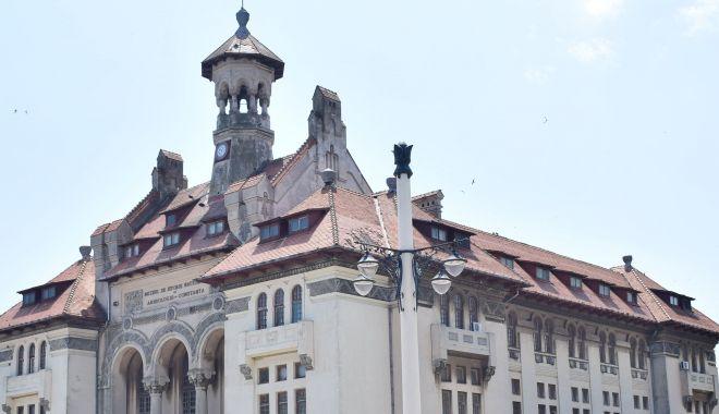 Acoperișul Muzeului de Istorie Constanța STĂ SĂ CADĂ! Intervin pompierii - 27febracoperismuzeu-1582790069.jpg