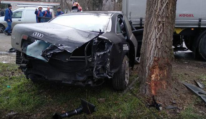 GALERIE FOTO/VIDEO. GRAV ACCIDENT RUTIER! Două victime; cum s-a produs nenorocirea - 28ianaccidmedgidiasursaisudobrog-1580213980.jpg