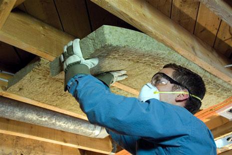 Foto: V-ați săturat de frig și vreți să izolați casa la interior?  Știți cu ce riscuri?