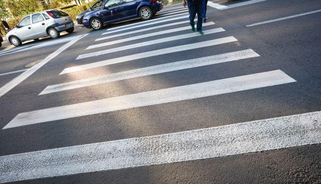 Femeie lovită de mașină pe trecerea de pietoni. Șoferul, anchetat de Rutieră - 2novaccidentpietonsursagazetades-1604312363.jpg