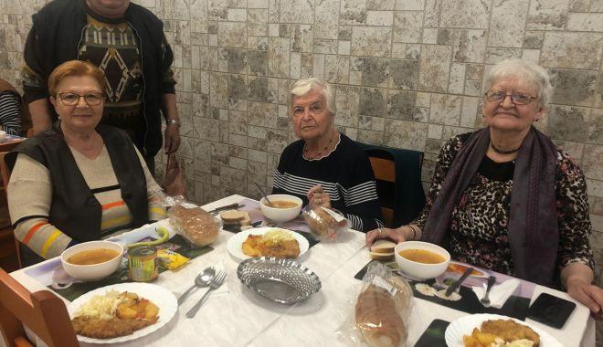 Foto: Seniorii de la Căminul pentru Persoane Vârstnice au sărbătorit Ziua Dobrogei