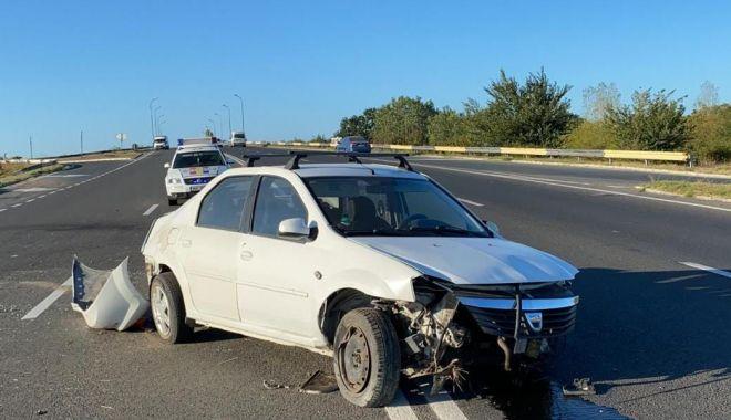 Accident rutier pe DN39. O maşină s-a răsturnat pe partea carosabilă - 3-1600190346.jpg