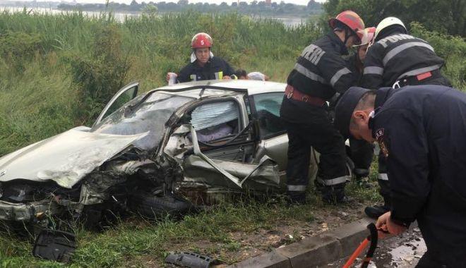 Foto: VIDEO. GRAV ACCIDENT RUTIER ÎNTRE EFORIE SUD ȘI EFORIE NORD! DESCARCERAREA, LA FAȚA LOCULUI