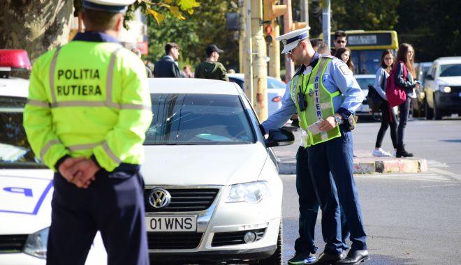 Foto: Urmărire ca în filme pe străzile Constanței! Un șofer fugar a ajuns cu mașina în gard