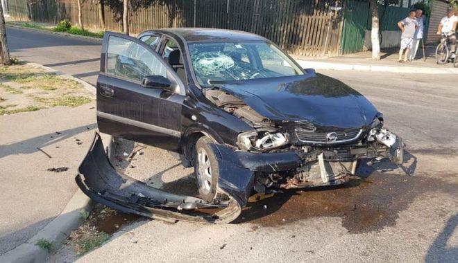GALERIE FOTO. Accident rutier la Constanța, după ce un șofer nu a oprit la STOP - 40518429220822528786562459513530-1535698232.jpg