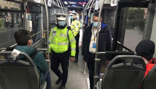 Oamenii legii efectuează controale în autobuzele şcolare - 44531eed88044659b7ea5642f496e0e9-1603435302.jpg