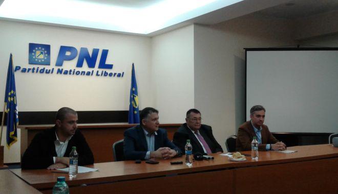 Foto: ȘEDINȚĂ PNL CONSTANȚA / Se cer schimbări privind taxa pentru parcările publice!