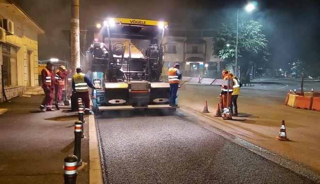 Foto: RESTRICȚII de trafic pe Bulevardul Mamaia. Se lucrează la reabilitarea carosabilului!