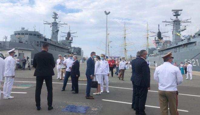 Festivitățile de Ziua Marinei sunt găzduite, anul acesta, de Portul Militar Constanța. GALERIE FOTO - 5108ef127eac4f39bcbb8b950a6292ed-1597472384.jpg