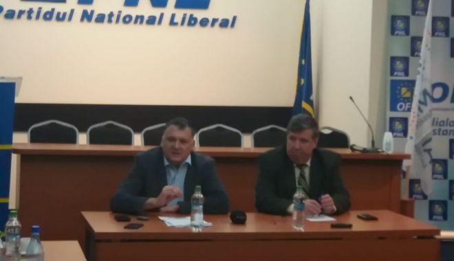 """Foto: PNL Constanța, conferință de presă despre buget: """"Primarii stau cu proiectele blocate!"""""""