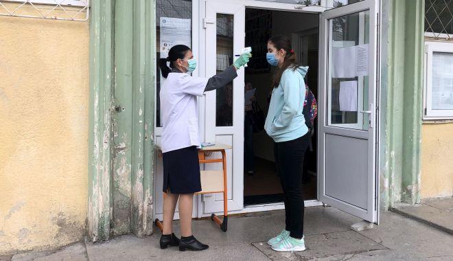 53 de elevi şi profesori, infectaţi cu noul coronavirus, în judeţul Constanţa - 53deelevi-1601480476.jpg