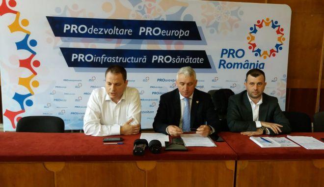 Foto: PRO România, conferință de presă la Constanța. Cine sunt candidații la europarlamentare