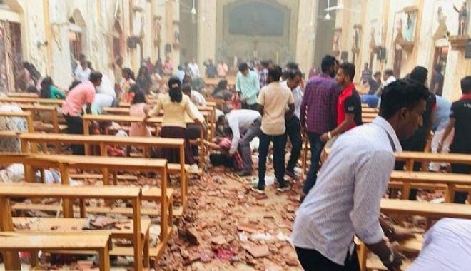 Foto: SĂRBĂTORI ÎNSÂNGERATE! Explozii în biserici și hoteluri! Cel puțin 100 de morți și 280 de răniți