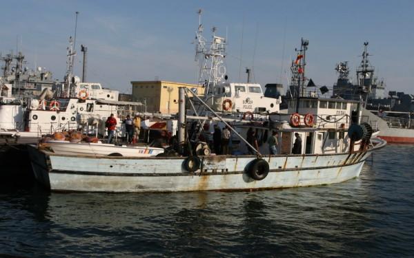 Foto: Trupul unuia dintre românii dispăruți în urma naufragiului din Marea Adriatică a fost găsit