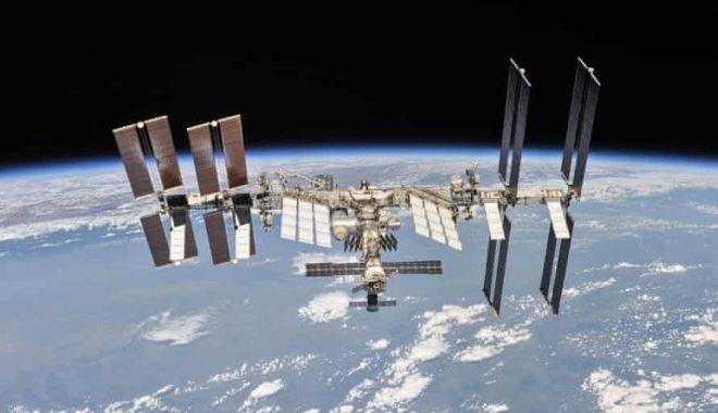 The Guardian: Trei specii noi de bacterii au fost descoperite pe Stația Spațială Internațională - 6048-1616259314.jpg