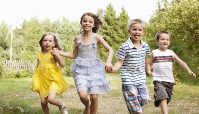 Foto: Veste excelentă pentru românii cu copii! Ce plan are Guvernul, de anul viitor
