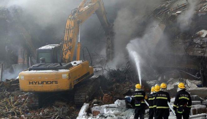 Foto: 18 oameni, morți de vii într-un incendiu izbucnit într-un hotel