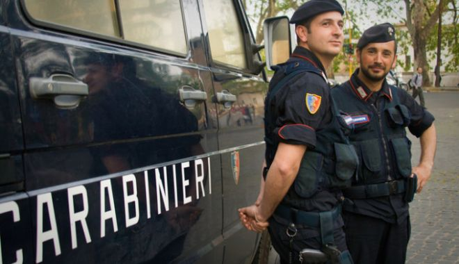 Foto: Româncă arestată în Italia după ce și-a înjunghiat soțul. Care este motivul infracțiunii