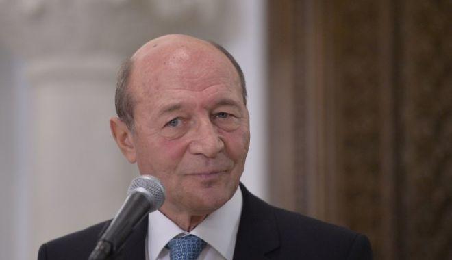 Traian Băsescu, audiat la DNA: Nu e vorba despre nicio acuzație la adresa mea, nu este vorba despre nicio mită - 61992397-1541787226.jpg
