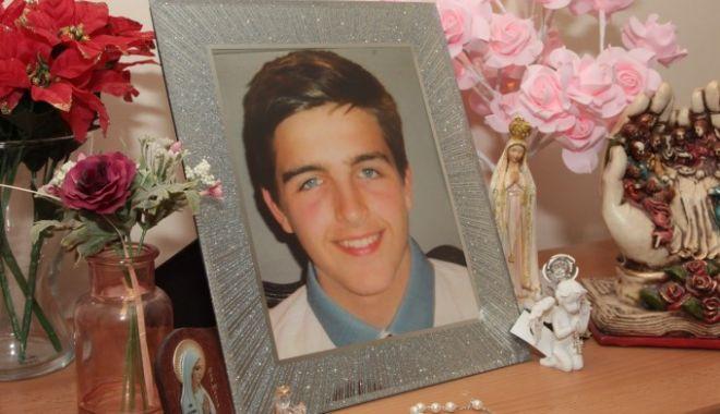 Foto: Un tânăr s-a sinucis după ce a fost hărțuit pe Xbox. Ce i-a cerut mamei înainte să moară