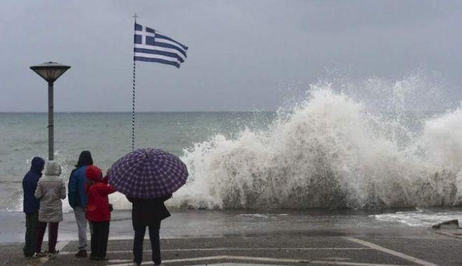 Foto: Români, atenție mare dacă plecați la greci! Se anunță precipitații abundente și furtuni