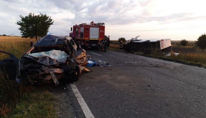 GALERIE FOTO / Accident grav în Constanța. Trei persoane au murit și patru au fost rănite! - 66720658234133703947327987073958-1563089620.jpg