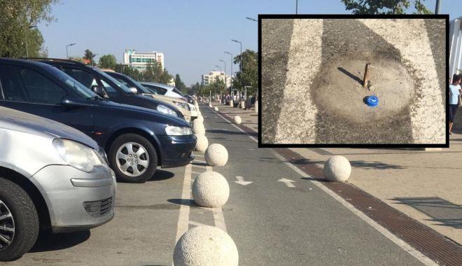 Foto: VANDALISM LA CONSTANȚA / Ce spun autoritățile despre bilele de beton distruse