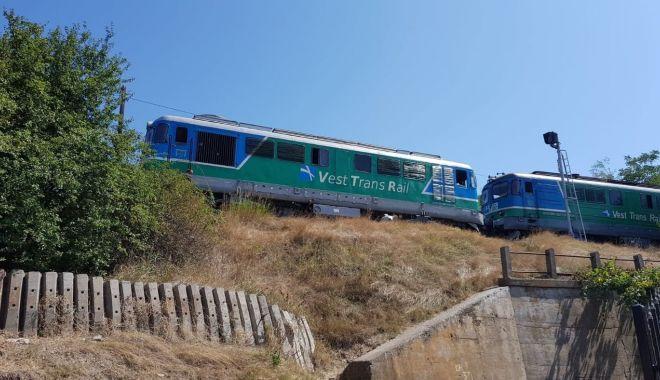 Foto: UPDATE. Locomotivă deraiată, la Constanța! Galerie FOTO