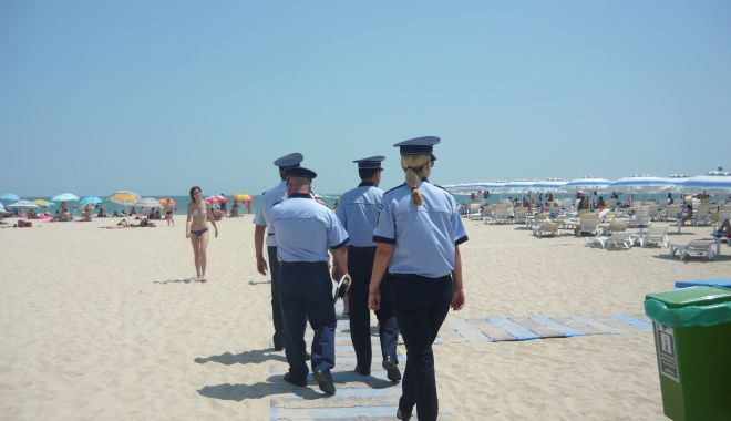 Reținuți de polițiști pentru