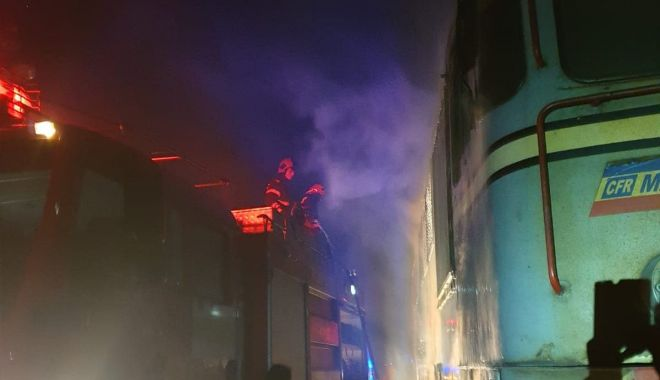 Foto: Cauza INCENDIULUI care a distrus o locomotivă, în zona industrială a Constanței