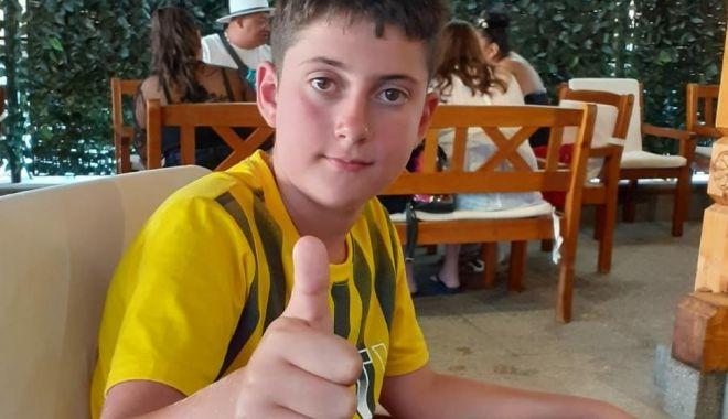 Minor dispărut de pe plajă. Apelați la poliție dacă l-ați văzut - 723e8d0e17ba46279374bd9d22c372e4-1597500206.jpg