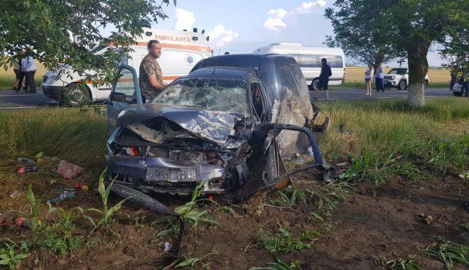GALERIE FOTO / VIDEO. Accident între Ciocârlia și Cobadin! Sunt trei victime. O femeie decedată pe loc - 793a991cddf8497eb849f7fdaa3f6bfb-1591976168.jpg
