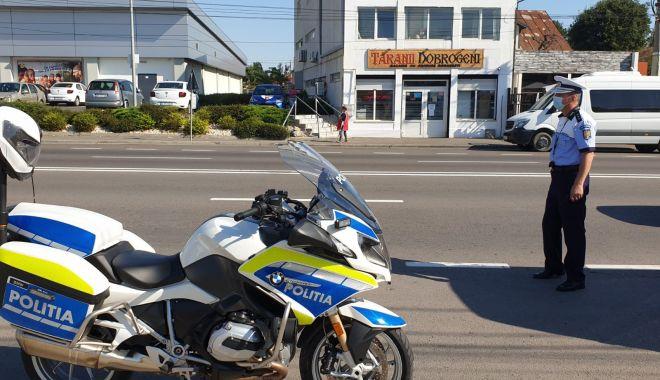GALERIE FOTO / RAZII ÎN AUTOBUZE! Călătorii, verificați de Rutieră dacă poartă măști! - 7augustraziimasca2-1596798416.jpg
