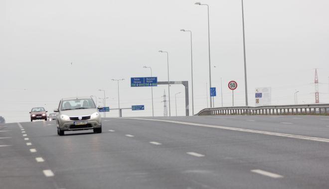 Foto: RESTRICȚII PE AUTOSTRADA SOARELUI! Reparațiile încurcă traficul