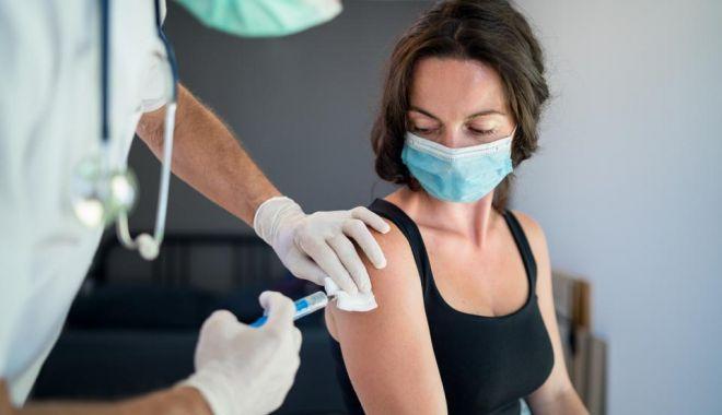 Sâmbătă a început vaccinarea fără programare la toate centrele din țară - 960x01-1620456070.jpg