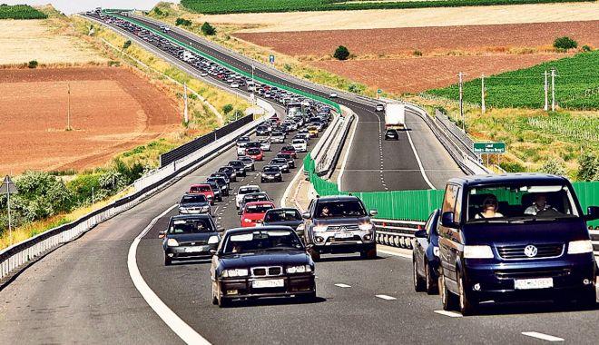 TRAFIC AGLOMERAT PE AUTOSTRADA SOARELUI: aproximativ 30 de mașini pe minut! - a2-1627803299.jpg