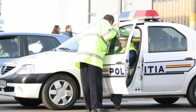 Foto: Reținuți de polițiști pentru un SCANDAL