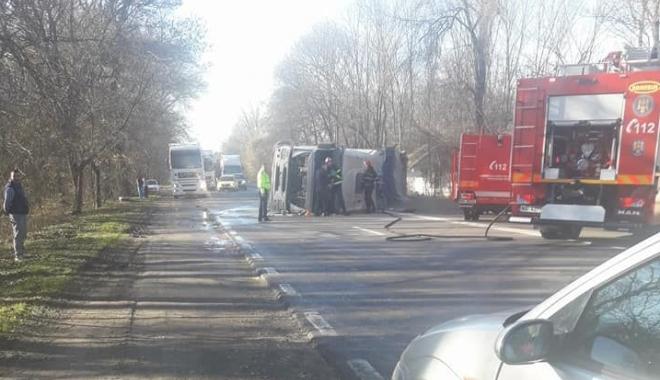 Foto: ACCIDENT RUTIER LA CONSTANȚA. INTERVINE DESCARCERAREA! Trafic blocat! UPDATE