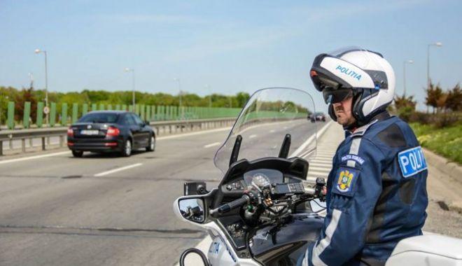 Foto: ACCIDENT CU CINCI MAȘINI pe Autostrada Soarelui. Coloană de mașini de 3 kilometri