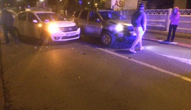 Foto: GALERIE FOTO/Accidente rutiere grave, azi-noapte, la Constanța. Mașini făcute praf, poliția și ambulanța, la fața locului