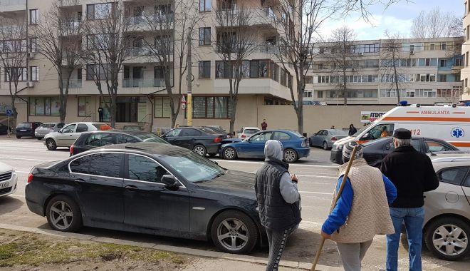 Foto: ACCIDENT RUTIER LA CONSTANȚA, pe bulevardul Alexandru Lăpușneanu. VICTIMA ESTE O TÂNĂRĂ