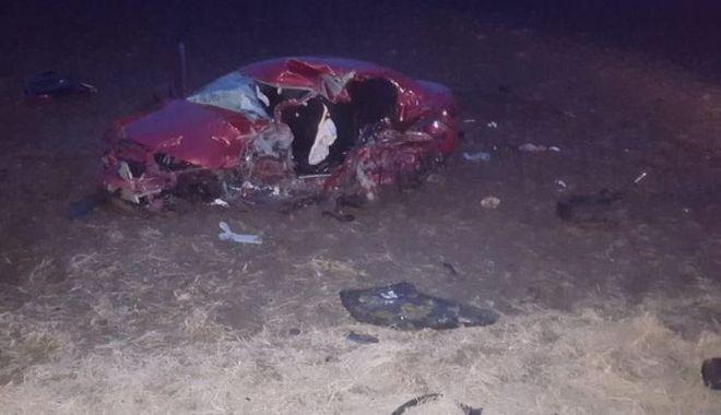 Doi tineri morți, la Constanța, într-un accident provocat de un șofer băut. GALERIE FOTO - acc1-1547971166.jpg