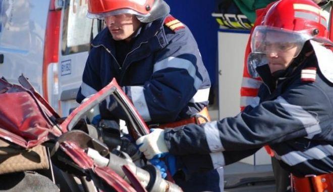 Foto: Accident rutier grav în localitatea Nicolae Bălcescu. Două persoane sunt încarcerate