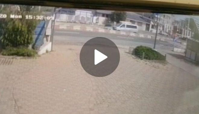 VIDEO TERIFIANT! Iată cum s-a petrecut accidentul din Mamaia - accident-1589816142.jpg