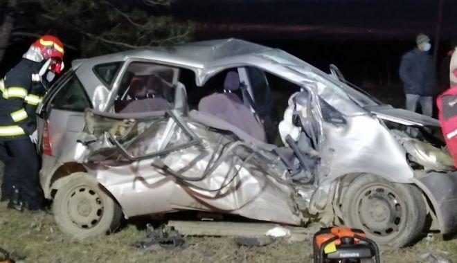 GALERIE FOTO / VIDEO. Accident grav, la Constanţa. Două victime sunt încarcerate - accident-1611245466.jpg