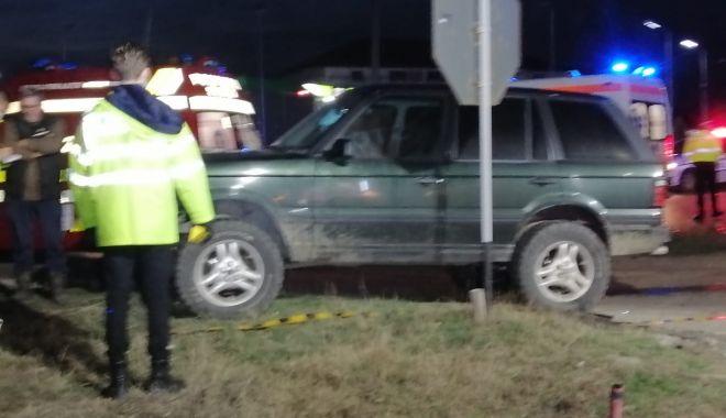 GALERIE FOTO / VIDEO. Accident grav, la Constanţa. Două victime sunt încarcerate - accident2-1611245478.jpg