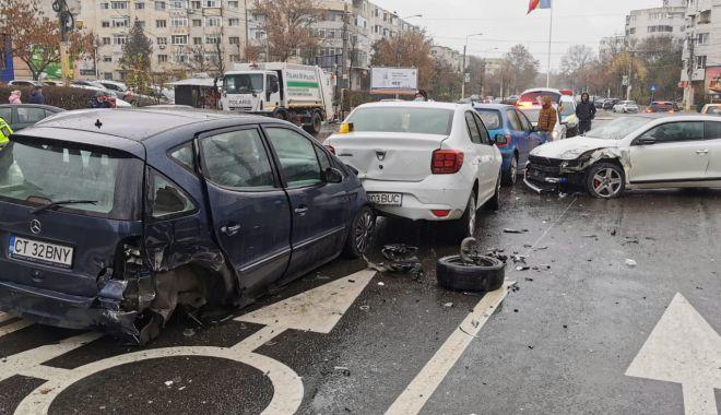 GALERIE FOTO. Carambol cu patru maşini, în Constanţa - accident4-1607339393.jpg
