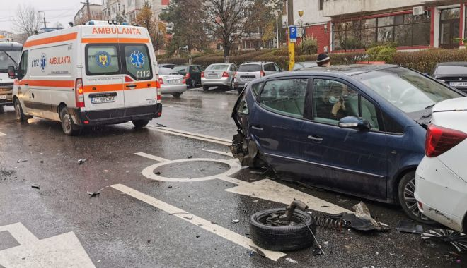 GALERIE FOTO. Carambol cu patru maşini, în Constanţa - accident6-1607339781.jpg
