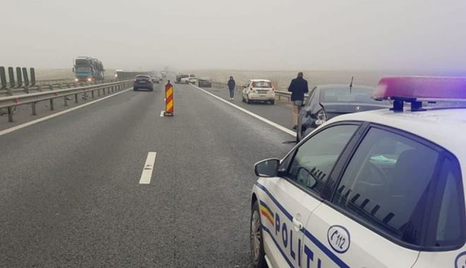 ACCIDENT PE AUTOSTRADĂ. Mașină intrată în parapet - accidenta1-1613994950.jpg
